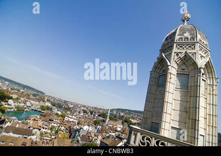 Horizontal wide angle view across the historical centre of Zürich on a bright sunny day from the Grossmunster. - Stock Photo