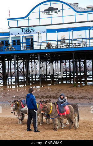 Cleethorpes, Lincolnshire, England, UK Pier Tides a traditional victorian pier which is now a nightclub & restaurant - Stock Photo