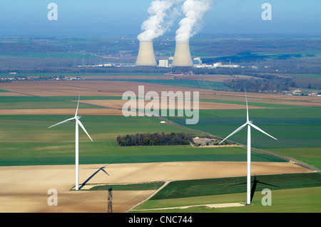 France, Aube, Nogent-sur-Seine, the nuclear power plant of Nogent-sur-Seine is the nearest to Paris, with wind turbines - Stock Photo