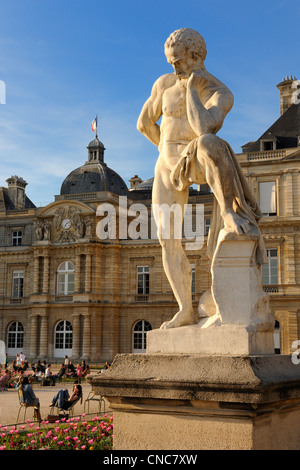 France paris luxembourg gardens statue of liberty park - Jardin du luxembourg statue of liberty ...