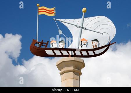 Gedenkstatue für die Kartographen Cresques, Palma, Mallorca.   Memorial statue for the cartographers Cresques, Palma, Majorca.