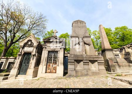 Graves in Père Lachaise Cemetery, Paris - Stock Photo