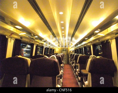 class 222 meridian train in east midlands trains livery travelling stock photo royalty free. Black Bedroom Furniture Sets. Home Design Ideas