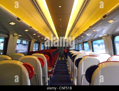 The interior of Standard Class in a MSO vehicle aboard a Cross Country Class 221 'Super Voyager' DEMU train - Stock Photo