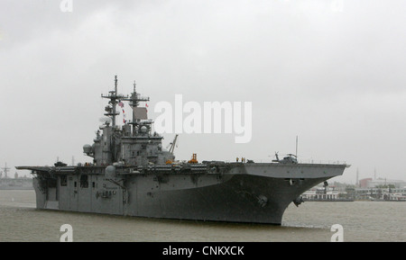 The multipurpose amphibious assault ship USS Wasp (LHD 1) arrives for The War of 1812 Bicentennial Commemoration - Stock Photo