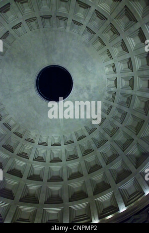 Inside the dome and oculus of the Pantheon, night time - Stock Photo