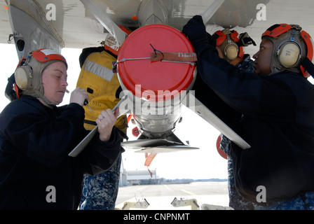 NAVAL AIR FACILITY MISAWA, Japan (April 21, 2012) – Aviation Ordnanceman team, attached to Patrol Squadron (VP) - Stock Photo