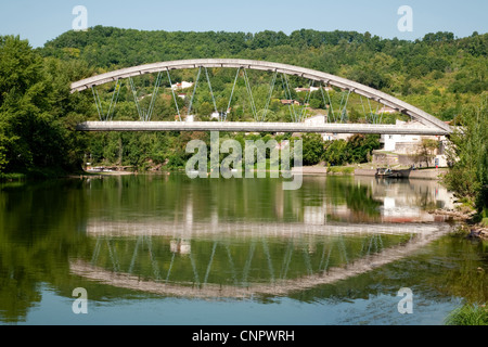 The bridge across the river Lot at Castelmoron sur Lot, Aquitaine, France - Stock Photo