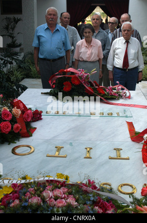 People pay respect to Yugoslavian communist leader Josip Broz Tito on his grave in the House of Flowers (Kuća cveća) - Stock Photo