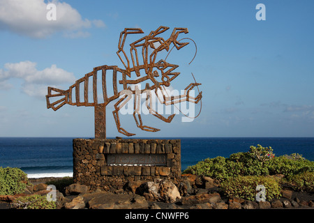 Munidopsis polymorpha (Munidopsis polymorpha), iron monument in the shape of a crab, Canary Islands, Lanzarote, - Stock Photo