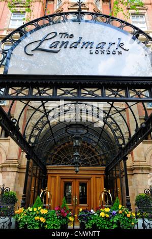 Entrance to The Landmark Hotel, Marylebone Road, London, England, UK - Stock Photo