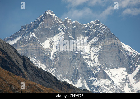 South face of Mount Lhotse (8,516 m) in Khumbu region in the Himalayas, Nepal. View from Khunde village. - Stock Photo