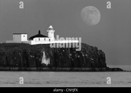 Inner Farne Lighthouse, Farne Islands, Northumberland, England, UK - Stock Photo