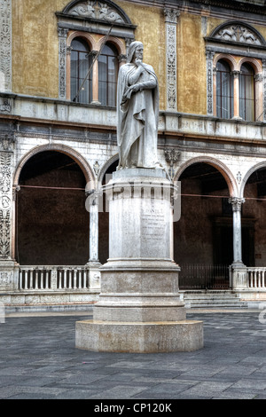 Dante monument, Piazza dei Signori, Verona, Veneto, Italy - Stock Photo