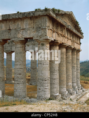 Doric Temple of Segesta, Sicily, Italy. Detail. Ancient Greek civilization, Magna Graecia, 5th Century BC. - Stock Photo