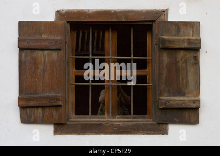 Bulgaria - Bansko. Neofit Rilski House-Museum, home to an exhibition dedicated to the Bulgarian educator. A window - Stock Photo