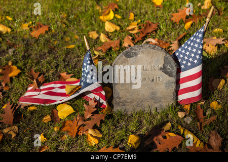 Paul Reveres tomb marker at Granary Burying Ground on Tremont Street, along the Freedom Trail, Boston MA - Stock Photo