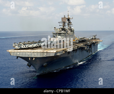 The amphibious assault ship USS Makin Island (LHD 8) conducts flight deck operations in the Indian Ocean. The Makin - Stock Photo