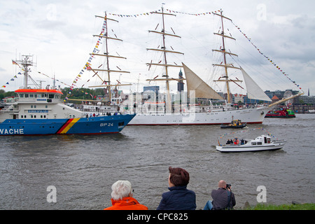 sailing ship Dar Mlodziezy, entering port parade, Harbour Birthday, Hamburg, Germany - Stock Photo