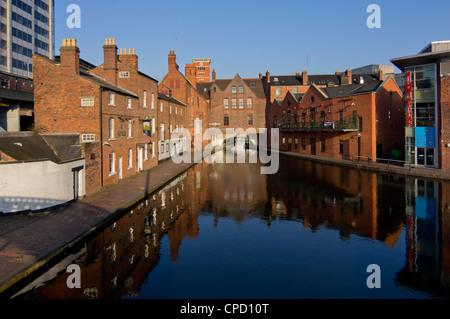 Canal area, Birmingham, Midlands, England, United Kingdom, Europe - Stock Photo