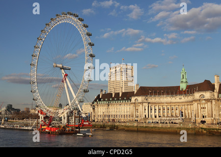 County Hall, home of the London Aquarium, and the London Eye on the South Bank of the River Thames, London, England, - Stock Photo