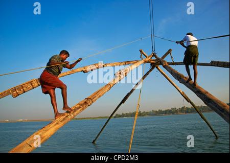 Chinese fishing nets, Fort Cochin (Kochi), Kerala, India, Asia - Stock Photo