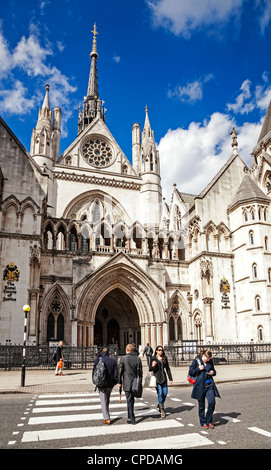 The Royal Courts of Justice, Fleet Street, London, England. - Stock Photo