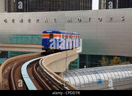 People mover in front of General Motors world headquarters, Detroit, Michigan - Stock Photo
