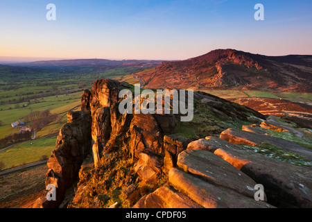 Winter sunset on the gritstone rock formations of Hen Cloud in the Roaches, Staffordshire, England, United Kingdom, - Stock Photo