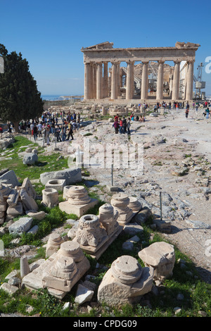 Tourists at the Parthenon on the Acropolis, UNESCO World Heritage Site, Athens, Greece, Europe - Stock Photo
