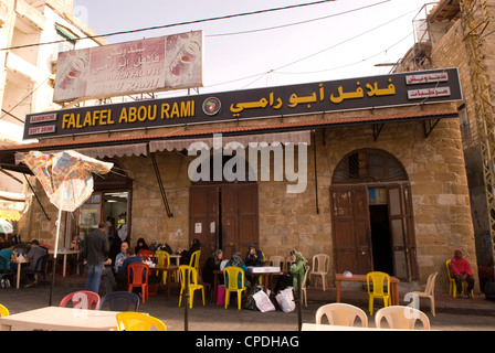 Falafel Abou Rami, an eatery popular with locals and tourists alike in Sidon, south Lebanon. - Stock Photo