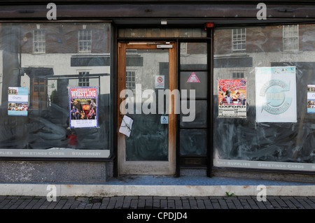 Closed Shop in a Town Centre. Wantage, Oxfordshire, UK. - Stock Photo