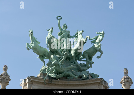 Grand Palais, quadriga [...] - Stock Photo