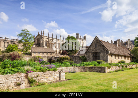 Christ Church Cathedral, Oxford, seen in spring from the War Memorial Garden. - Stock Photo