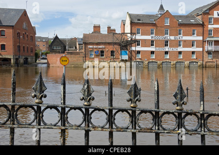 River Ouse in flood at Queen's Staith York North Yorkshire England UK United Kingdom GB Great Britain - Stock Photo