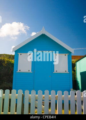 A beach hut on the seafront at Westward Ho!, Devon, England. - Stock Photo