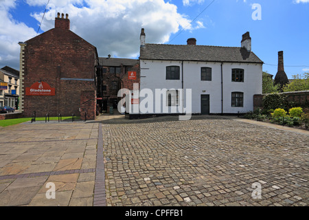 Gladstone Pottery Museum in Longton, Stoke on Trent, Staffordshire, England, UK. - Stock Photo