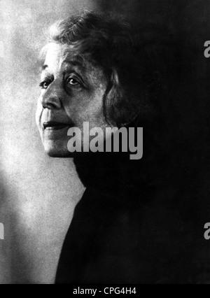 Huch, Ricarda  18.7.1864 - 17. 11.1947, German author / writer, portrait, photo by Wanda von Debschitz-Kunowski, - Stock Photo
