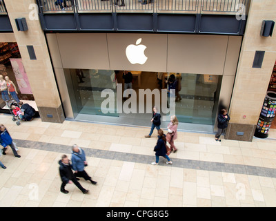 Apple store, Grand Arcade, Cambridge, UK - Stock Photo