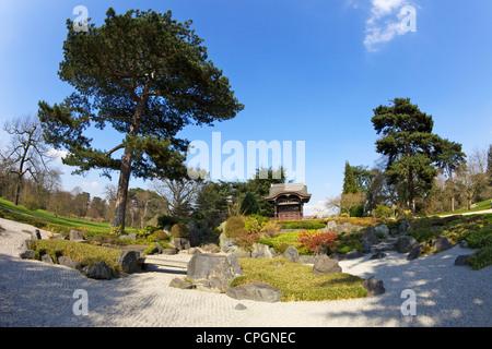 Japanese Gateway Chokushi-Mon, Gateway of the Imperial Messenger, Kew Royal Botanic Gardens, London, England, UK, United Kingdom