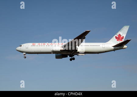 Air Canada Boeing 767-333(ER) (C-FMWV) about to land at Heathrow Airport, London, UK. - Stock Photo