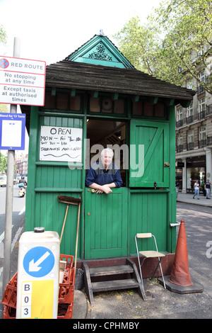 London Cabmans Shelter where cabbies can take refreshment, Knightsbridge, London, UK - Stock Photo