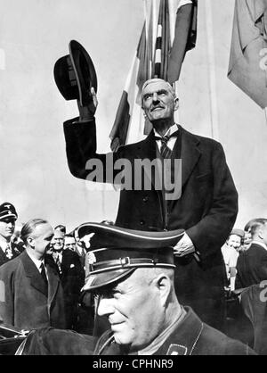 Neville Chamberlain and Joachim von Ribbentrop at Oberwiesenfeld airfield, Munich, 1938 (b/w photo) - Stock Photo