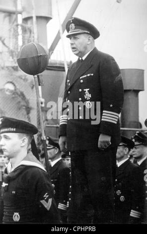 Kapitaen zur See Brinkmann addressing the crew of a German naval cruiser, 1942 (b/w photo) - Stock Photo