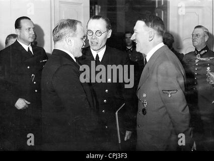 Vyacheslav Mikhailovich Molotov, Foreign Secretary of the Soviet Union, talking with Adolf Hitler during a state - Stock Photo