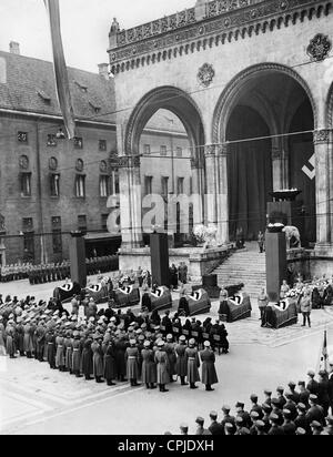 Act of state for the victims of the assassination attempt in Buergerbraeukeller in front of the Feldherrnhalle, - Stock Photo