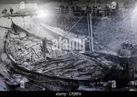 Old photograph of the Oseberg excavations, 1904, Viking Ship Museum, Vikingskipshuset, Bygdoy, Oslo, Norway, Europe - Stock Photo