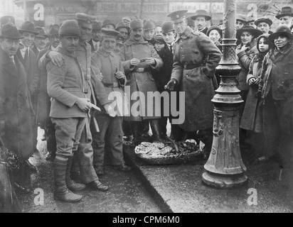 Soldiers of the Axis powers in occupied Bucharest, 1917 - Stock Photo