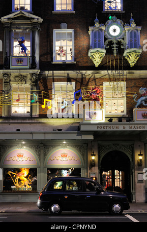 Fortnum and Mason shop front, London - Stock Photo