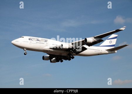 The El Al Israel Airlines Boeing 747-412 (4X-ELE) about to land at Heathrow Airport, London, UK. Feb 2012 - Stock Photo